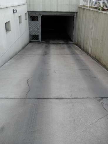 Auffahrt Tiefgaragenstellplatz