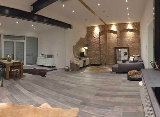 Ansprechende 2-Zimmer-Loft-Wohnung mit Garten und Einbauküche in Römerberg