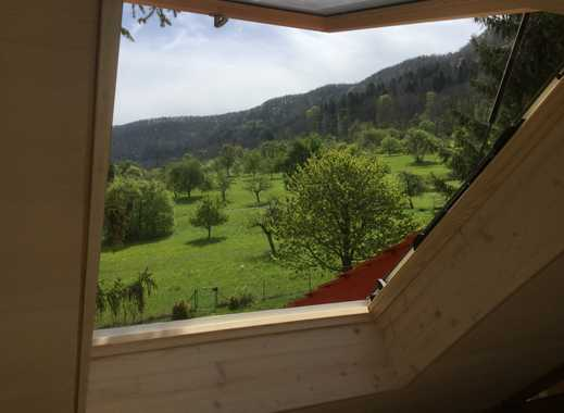 Außergewöhnliche, sonnige Maisonette-Wohnung in hochwertig restauriertem Altbau