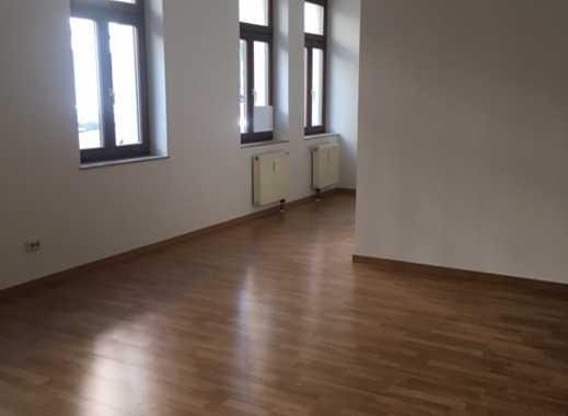 ALLES NEU!Toll geschnittene geräumige 2-Zimmer-Wohnung - mit halboffener Küche ! neuer Fubo