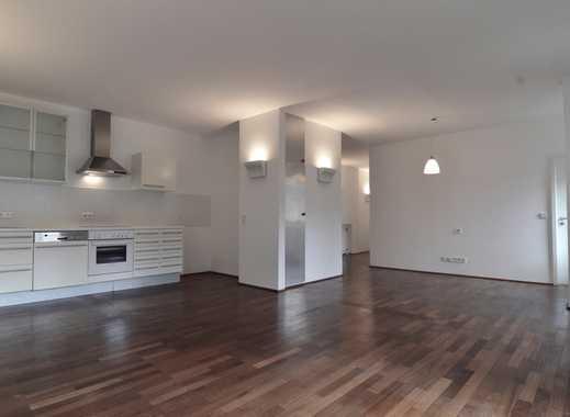 Exklusive 4-Zimmer-Wohnung mit Balkon und Einbauküche in Stuttgart