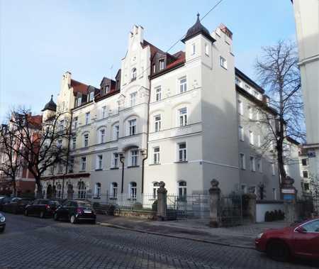 Ruhige 1-Zimmer-Altbauwohnung - Nähe Rotkreuzplatz in Neuhausen (München)