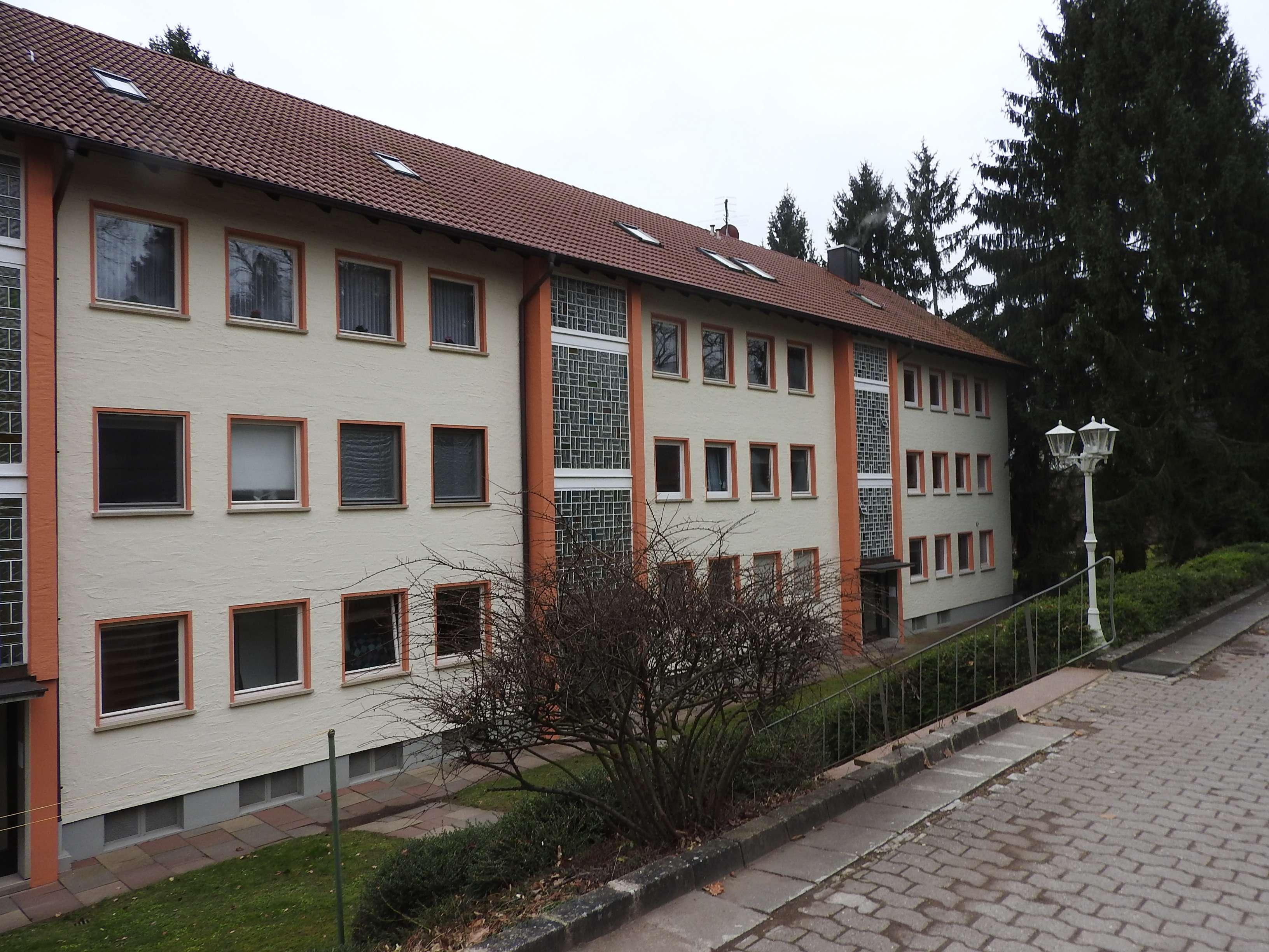 Großzügige 2-Zi-Dachgeschoss-Whg ohne Balkon Fürth/Vach in