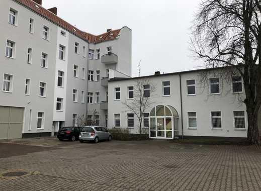 3 Büros mit jeweils 48 m² oder eins mit 144 m², Erstbezug nach Modernisierung