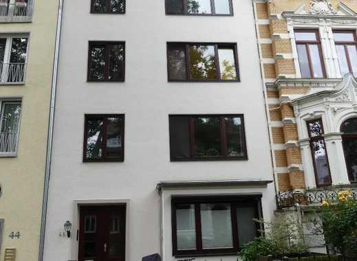 Schöne Drei-Zimmer-Wohnung mit Balkon und Einbauküche in Schwachhausen