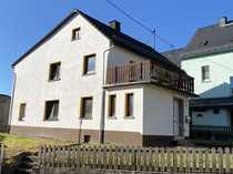 Wohnhaus mit Potential und separatem