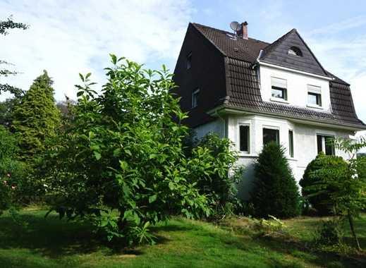 RATINGEN:  freistehendes Einfamilienhaus mit viel Privatsphäre und herrlich großem Garten in Lintorf