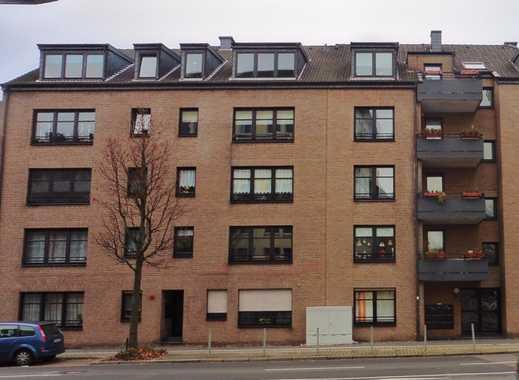 Schöne helle Wohnung mit Balkon, zentrumsnah