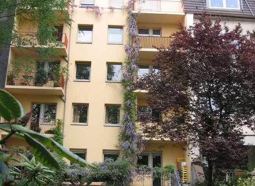Gepflegte 5-Zimmer-Terrassenwohnung mit Balkon in Duisburg
