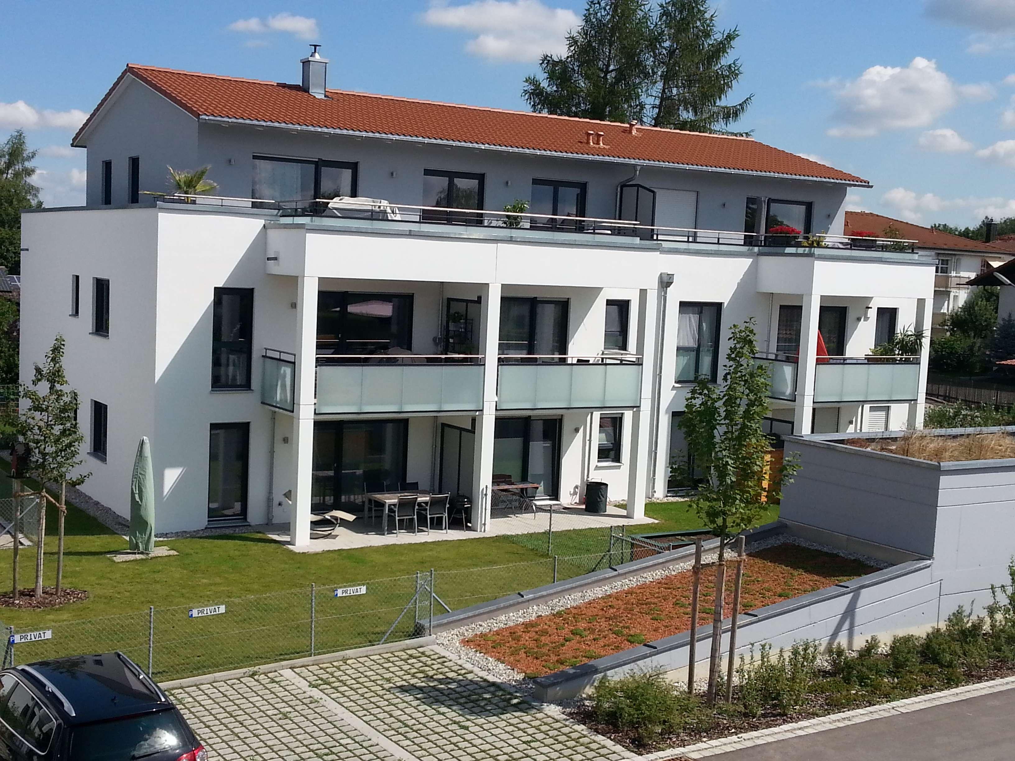 Wunderschöne helle 2-Zimmer-Wohnung mit Dachterrasse in Taufkirchen in Taufkirchen (München)