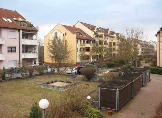 Großzügige 1 Zimmer Wohnung mit Tiefgarage in Rheinau!