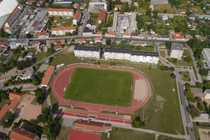mit Blick auf das Stadion