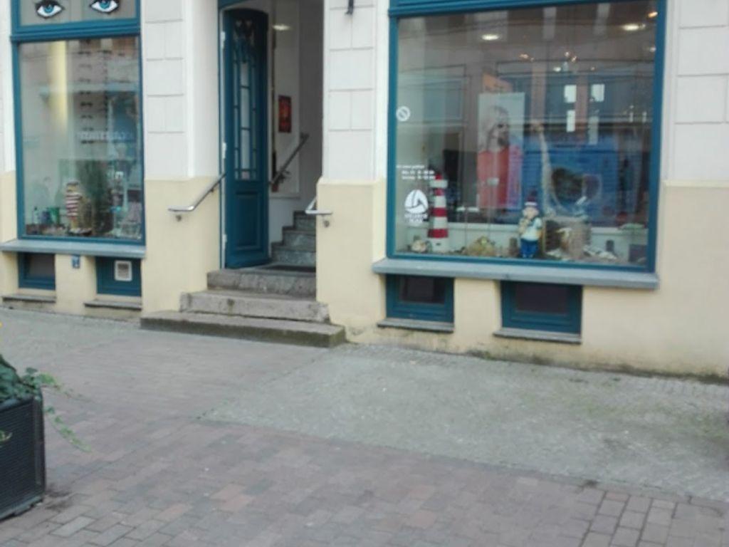 Lübsche Straße 2, Außen