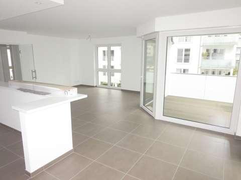 NEUBAU-Exklusive barrierefreie Wohnung mit Balkon, Aufzug, Wannenbad ...