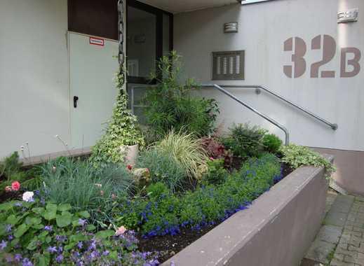 Schönes, saniertes 1 Zimmer Appartement mit Balkon, EBK, TG-Platz & Aufzug