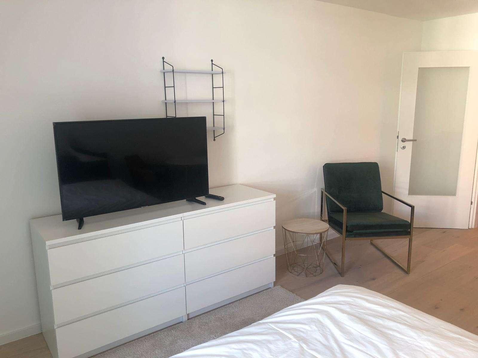 Einziehen und wohlfühlen! Möbliertes 1-Zimmer-Apartment mit großzügigem Balkon in Zentral