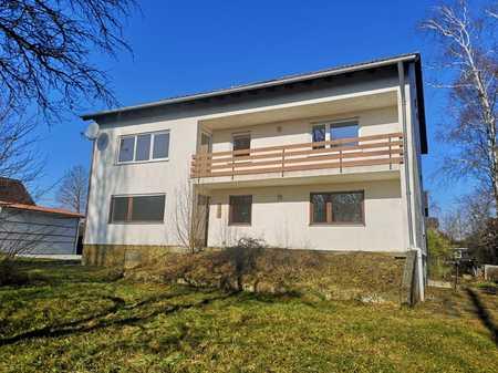 3-Zimmer-Dachgeschosswohnung - komplett saniert in Fahrenzhausen/Kammerberg in Fahrenzhausen