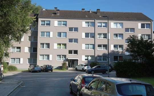 hwg - Großzügige 2- Zimmer Wohnung mit Balkon!