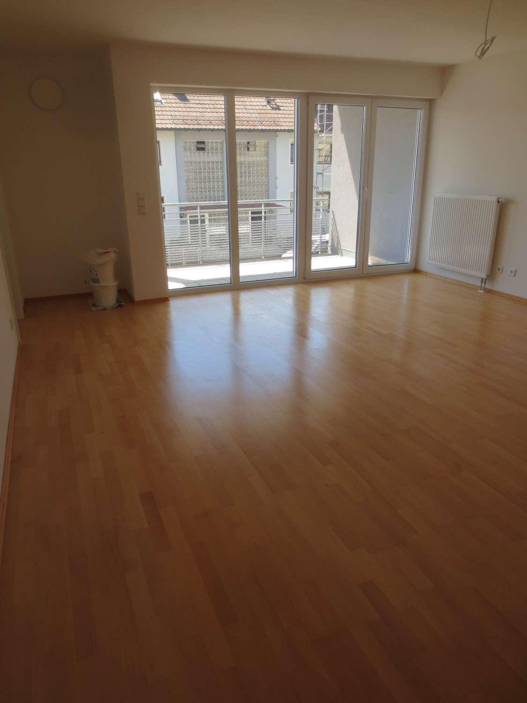 Schöne, helle vier Zimmer Wohnung mit 2 Balkonen in Nürnberg, Großgründlach
