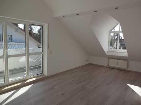 Helle Dachgeschosswohnung in grüner und ruhiger Umgebung in Neubiberg