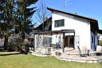 Doppelhaushälfte mit geräumiger Wohn Ess-