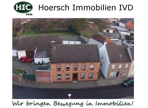 2 Wohnhäuser + ausbaubare Scheune + 7 Garagen in Nettetal-Breyell