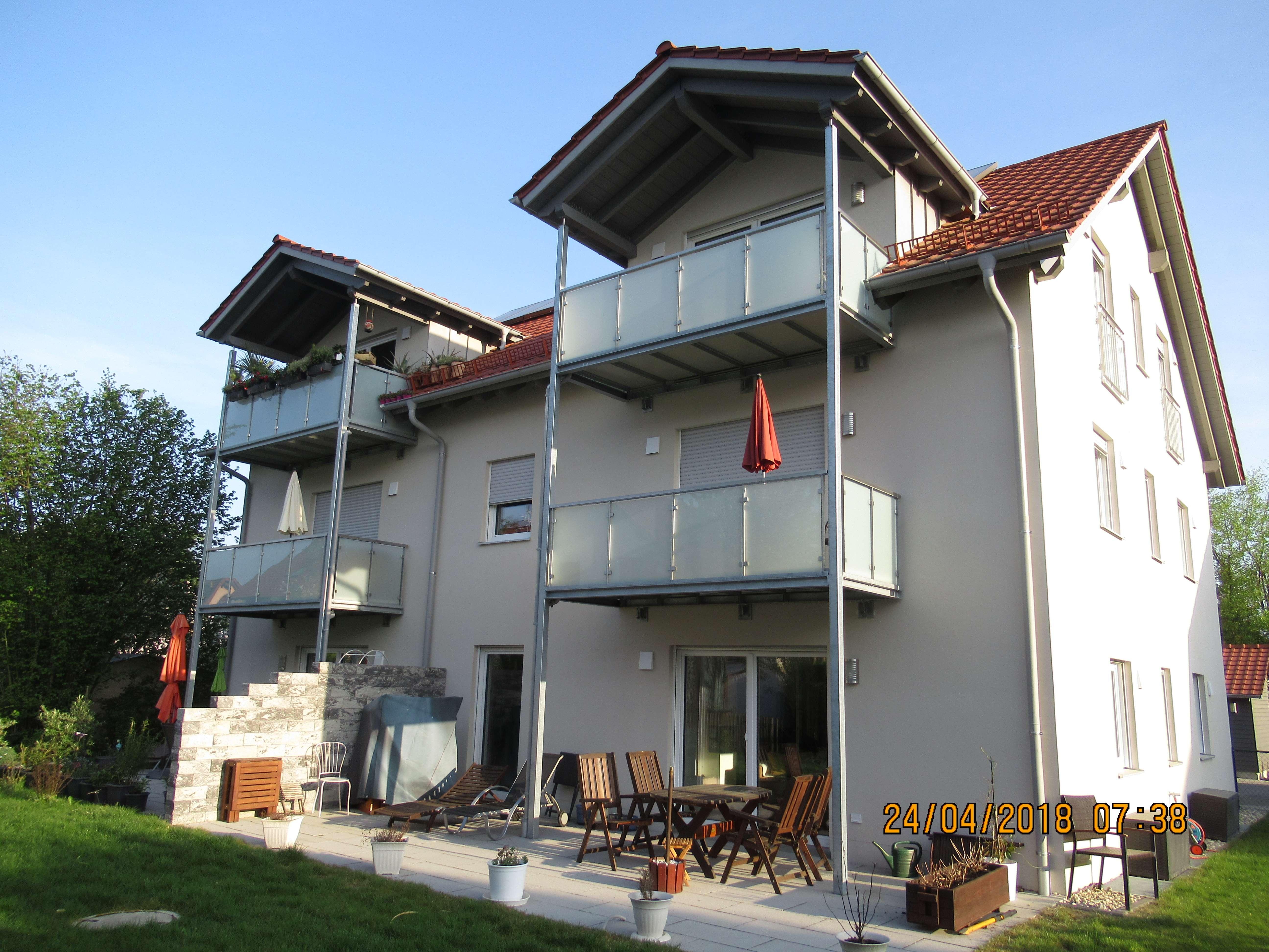 Schöne 2-Zimmer-DG-Wohnung mit Balkon in Berglern in Berglern