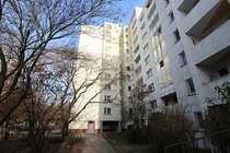 Bild Geräumige 2 Zimmerwohnung mit modernem Wannenbad in Neukölln