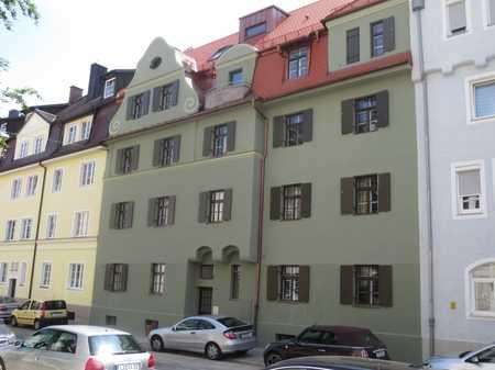 Barrierefreie, neuwertige 3,5-Zimmer-Wohnung mit Balkon und Gemeinschaftsarten in  Landshut in Nikola