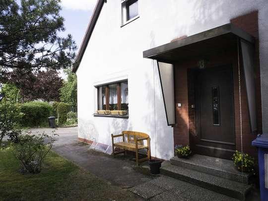 120m² Wohnung inkl. Garten, Terrasse und Garage in einem 2-Familienhaus - Bild 2