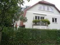 Bild Sonnige, freundliche Maisonette-Wohnung Souterrain am Wald mit Garten