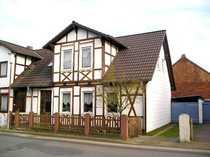 schönes Fachwerkhaus mit Carport