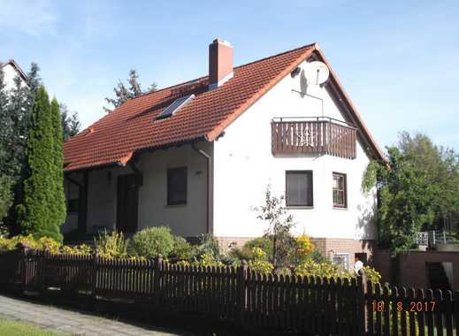 Haus mit viel Grün sucht Familie