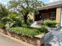 Außergewöhnliches Architektenhaus mit Garten Garage