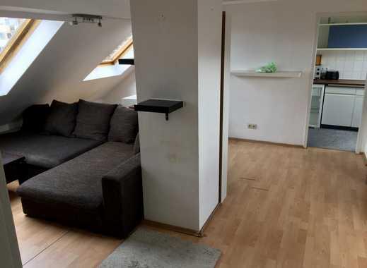 Freundliche 2-Zimmer-DG-Wohnung mit Einbauküche in Frankfurt am Main Oberrad