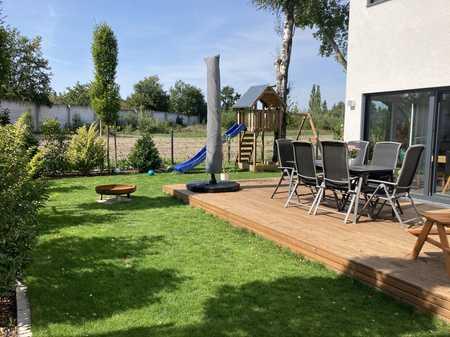 Hausähnliche 5 Zimmer-Wohnung mit eigenem Eingang, Küche, Garten und 2 Stellplätzen ab 03/21 in Dambach / Unterfürberg (Fürth)