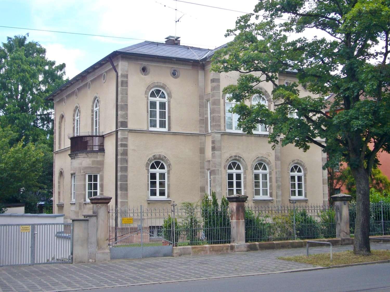 STILVOLLES WOHNEN / ARBEITEN IN DENKMALGESCHÜTZTER VILLA NAHE TIERGARTEN - 4-ZI-WG MIT WINTERGARTEN in Schmausenbuckstraße (Nürnberg)