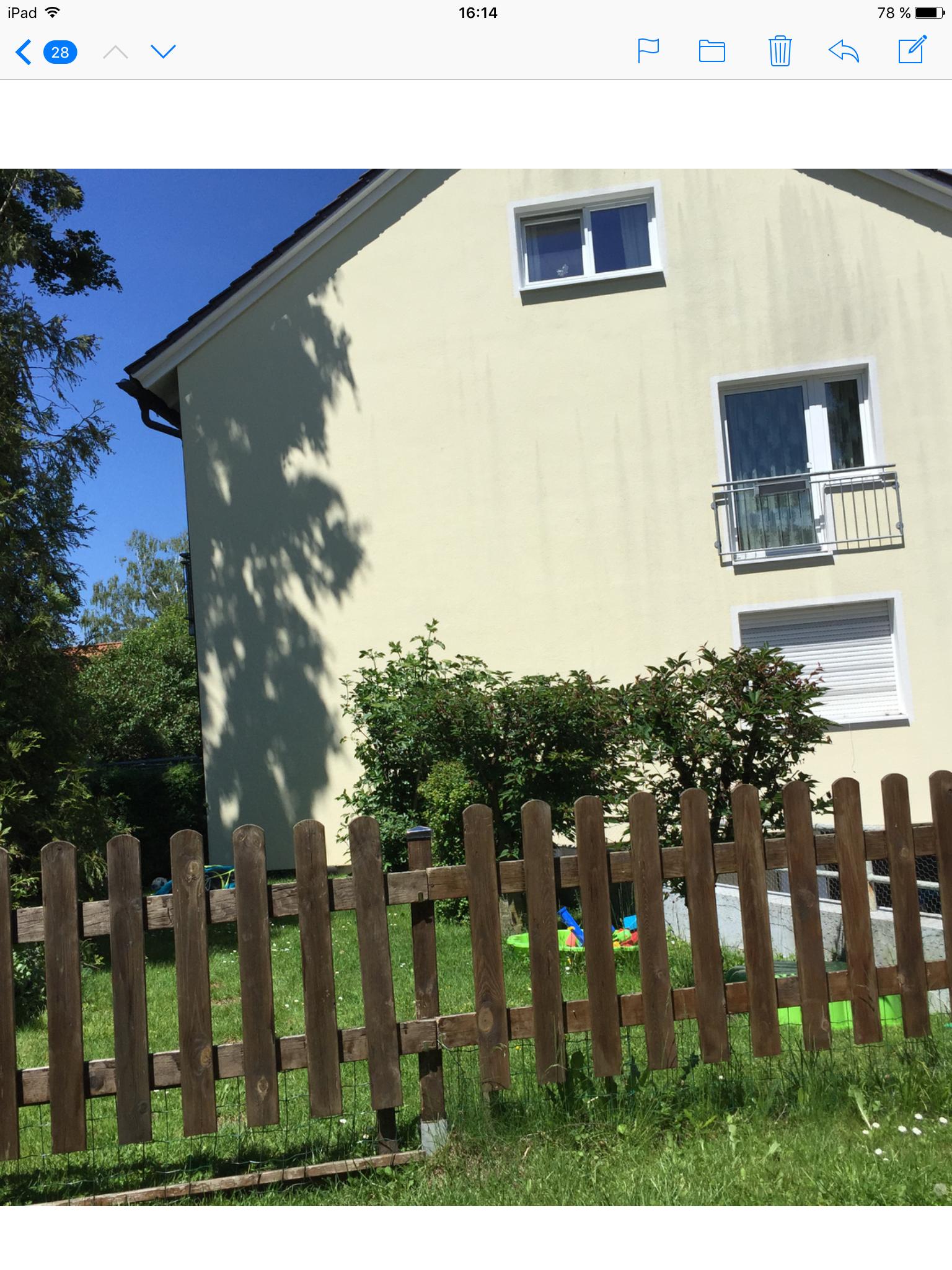 Exklusive, sanierte 4-Zimmer-Hochparterre-Wohnung mit Garten und Einbauküche in Neuried