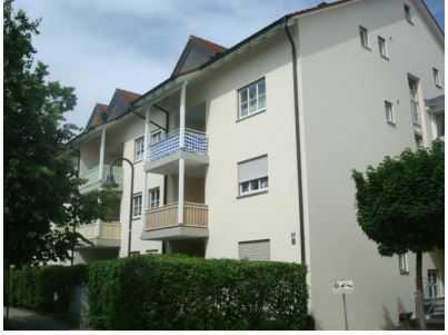 Großzügige und gepflegte 2-Raum-DG-Wohnung mit EBK und Balkon in Eggenfelden in Eggenfelden