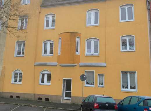 Schöne 2,5-Zimmer-Wohnung mit Einbauküche zu vermieten