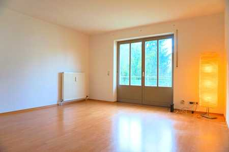 Uninah und trotzdem absolut idyllisch - Ideale Single-, Pärchen- oder WG-Wohnung in Innstadt (Passau)