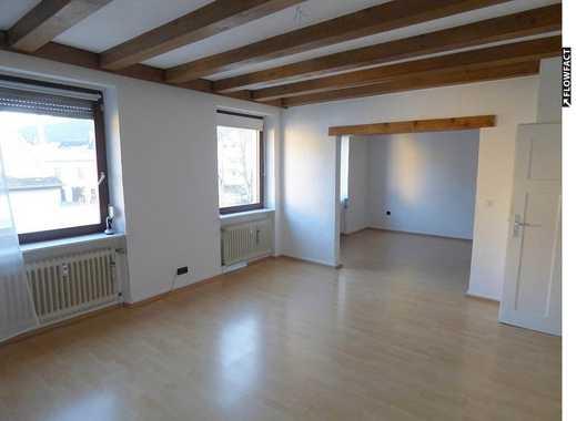 Schicke und geräumige 5-Zimmer-Maisonette-Wohnung mit ca. 120m² EBK und Stellplatz