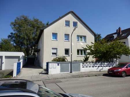 Helle 2-Zi-Wohnung mit Balkon in Moosach