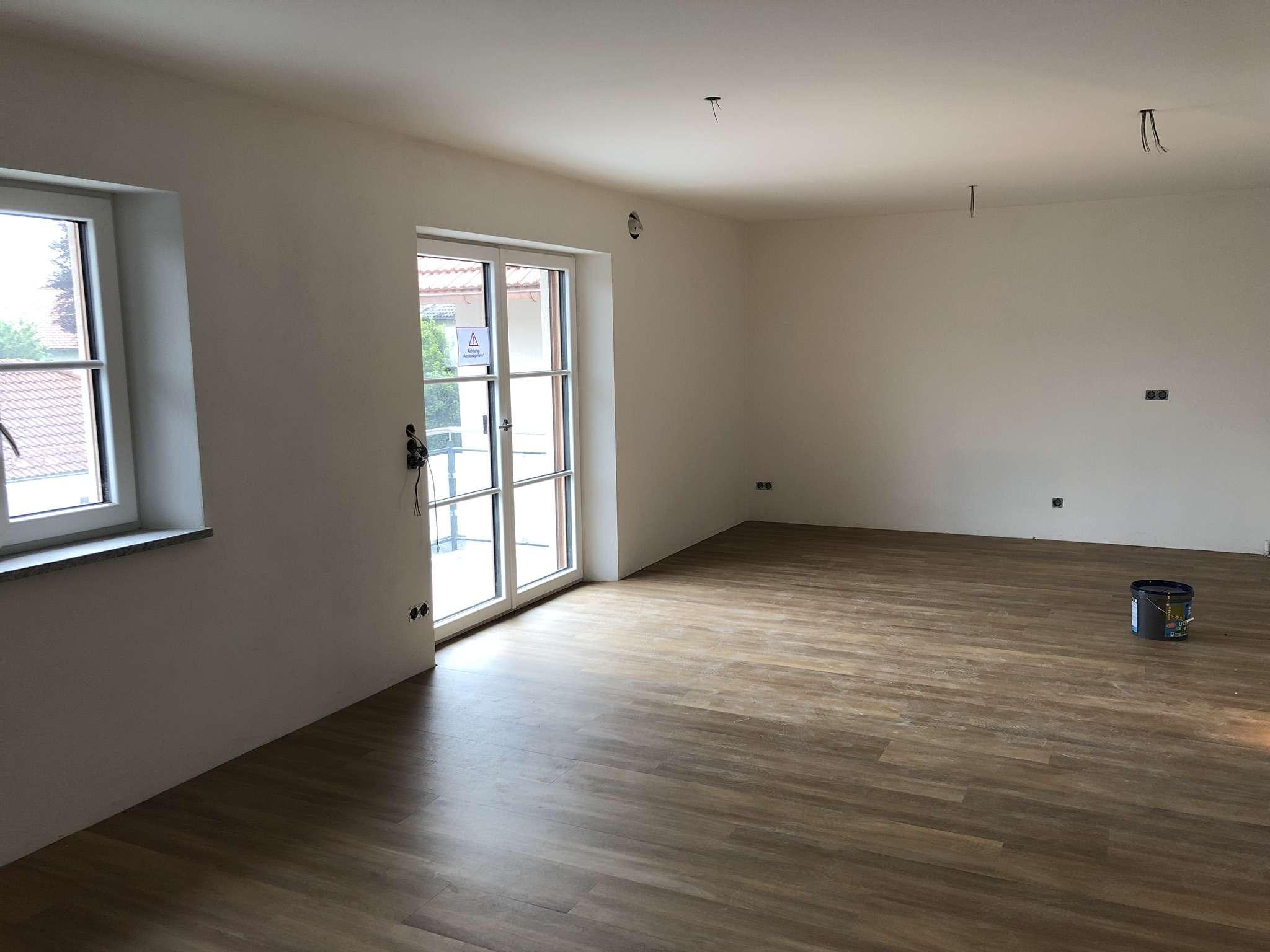 ERSTBEZUG: 4 Zimmer Wohnung mit großem Balkon in Heimstetten