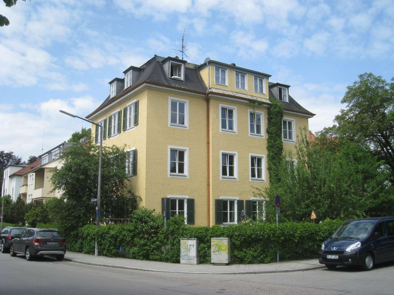 TOP! DG-Wohnung Bezug nach Komplettsanierung in Bestlage in Westenviertel (Regensburg)