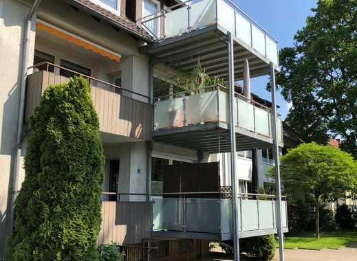 Großzügige 2,5-Zimmer-Wohnung mit großem Balkon, Garage und guter Bahnanbindung!