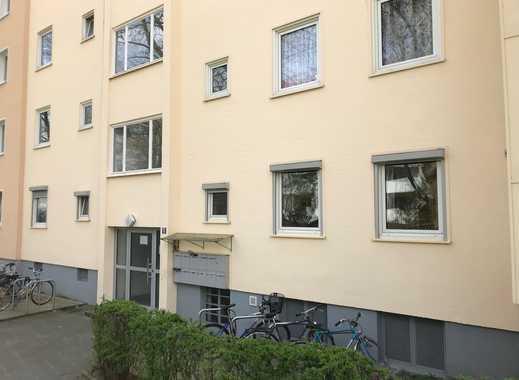Gepflegte 3-Zimmer-Hochparterre-Wohnung mit Balkon und Einbauküche in Nürnberg
