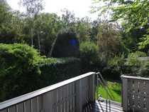 VOLLMÖBLIERTE idyllische Bungalow-Hälfte mit Garten