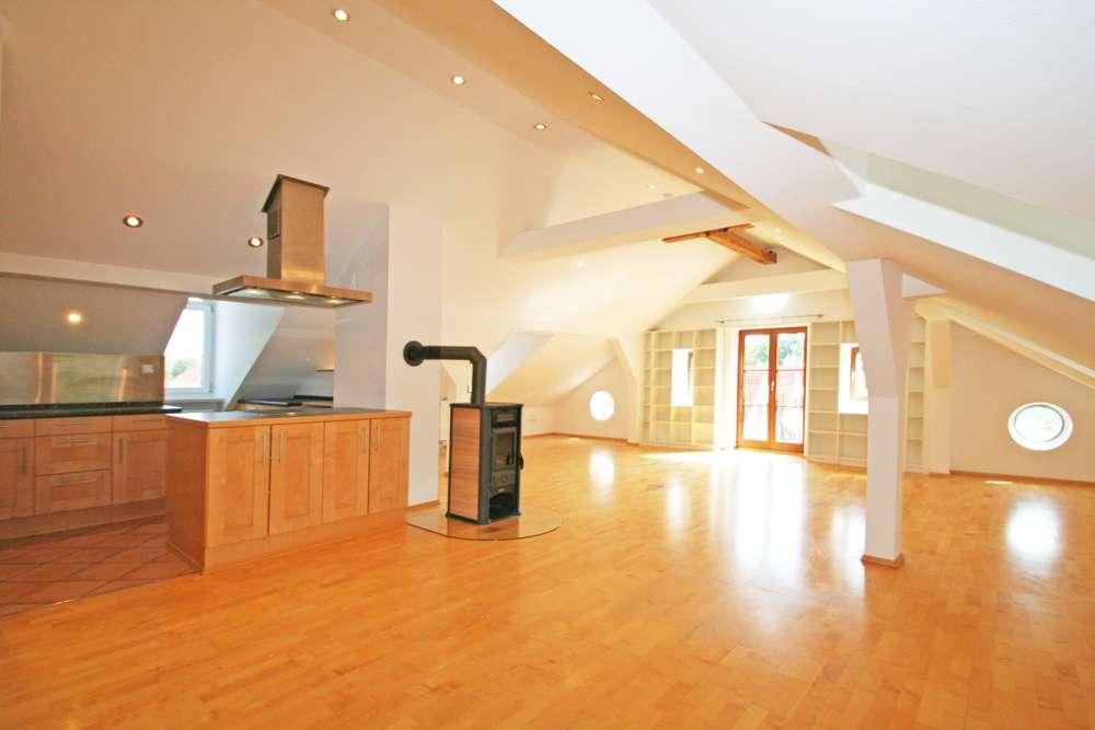 Hier fühlen Sie sich wohl - Charmante, helle 4-Zi-Wohnung im historischen Altbau in zentrumsnaher La in Landsberg am Lech