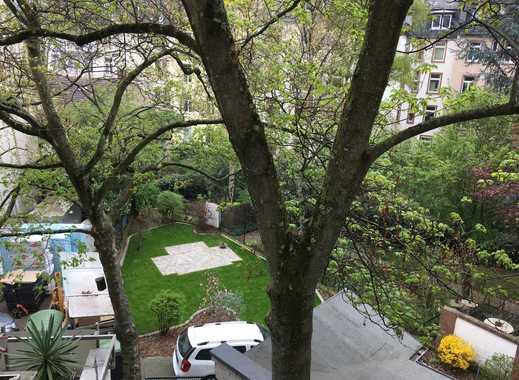 1 Zimmer ca. 23qm in einer 73m² Altbauwohung im Nordend gegenüber der Frankfurt University (FH)